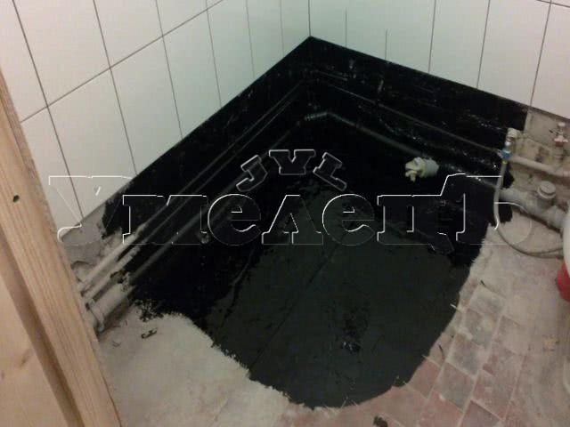 Устройство обмазочной гидроизоляции пола. Полы стяжка облицовка. Ремонт квартир в Москве и Подмосковье.