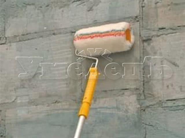 Грунтовка стен на 1 раз. Стены отделка. Ремонт квартир в Москве и Подмосковье.