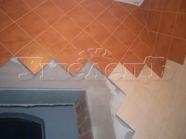 Облицовка стен кафельной плиткой диагональ. Стены облицовка. Ремонт квартир в Москве и Подмосковье.