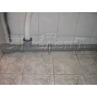 Монтаж труб канализации открыто