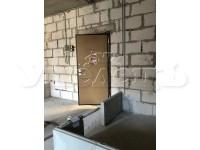 5 - Вход в квартиру изнутри принятый от застройщика.