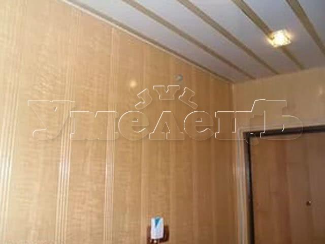 Устройство отделка обшивка стен пластиковыми панелями. Стены отделка. Ремонт квартир в Москве и Подмосковье.