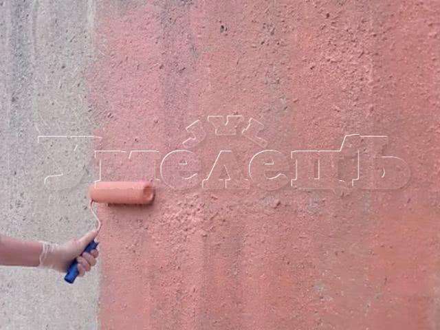 Нанесение бетоноконтакта антиплесень. Стены отделка. Ремонт квартир в Москве и Подмосковье.