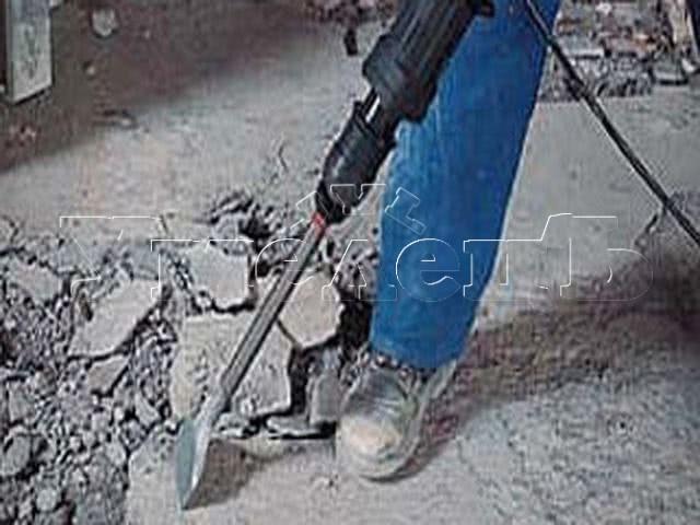 Демонтаж цементной стяжки не армированной толщиной до 5 см. Демонтаж полов ремонт пола. Ремонт квартир в Москве и Подмосковье.