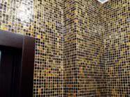 Оклейка стен мозаикой